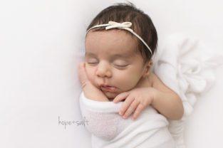 oakville newborn photographer - baby girl Natalia sweet and simple Burlington ontario studio session all natural poses