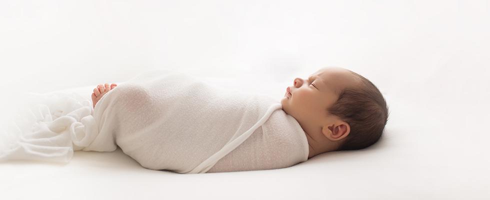 Hope salt photography burlington oakville newborn baby photographer newborn photographer with a pure simple and natural style